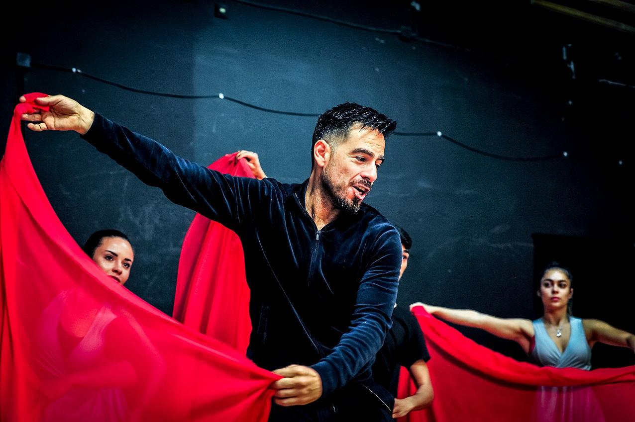 танцът
