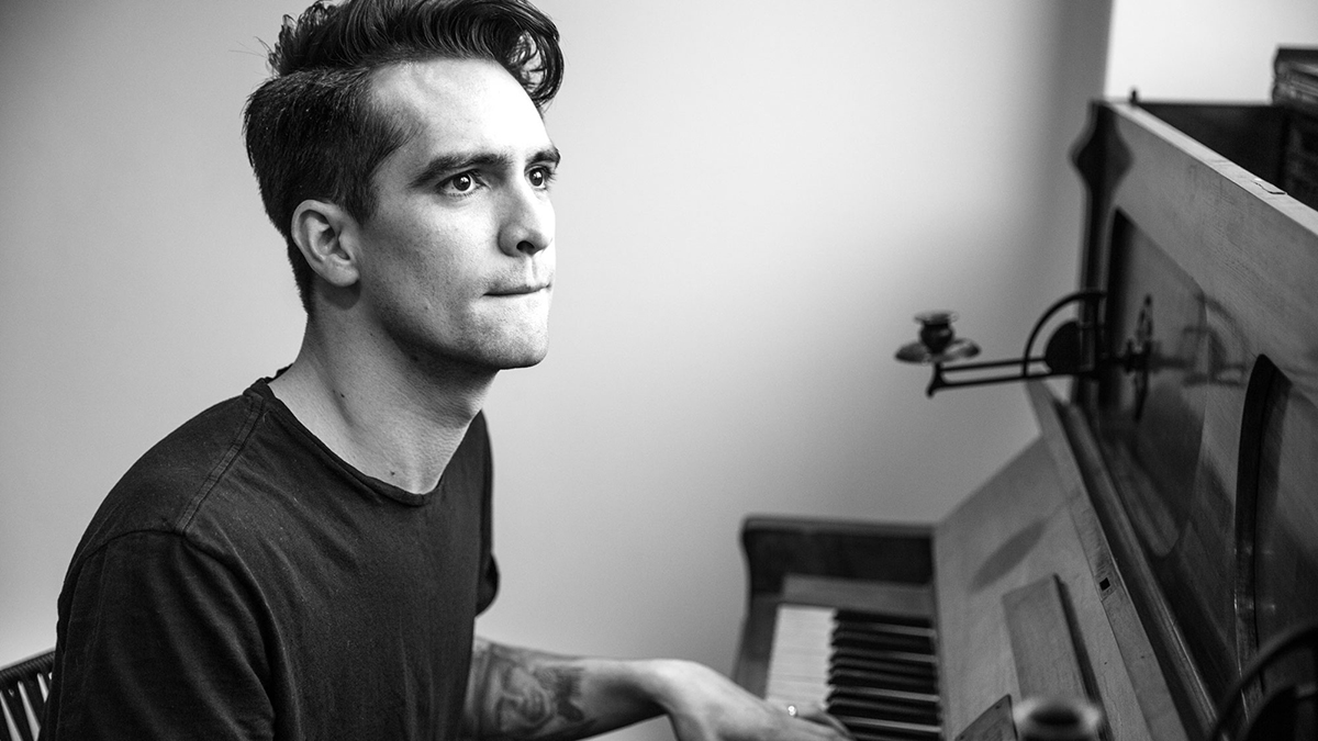 Panic-At-The-Disco-Piano-2